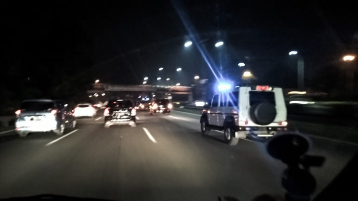 Tol Jagorawi di malam hari